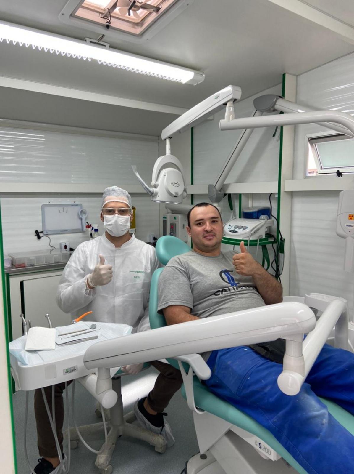 A Cattaneo ofereceu aos seus colaboradores tratamento odontológico através do Projeto Sorrir Faz Bem